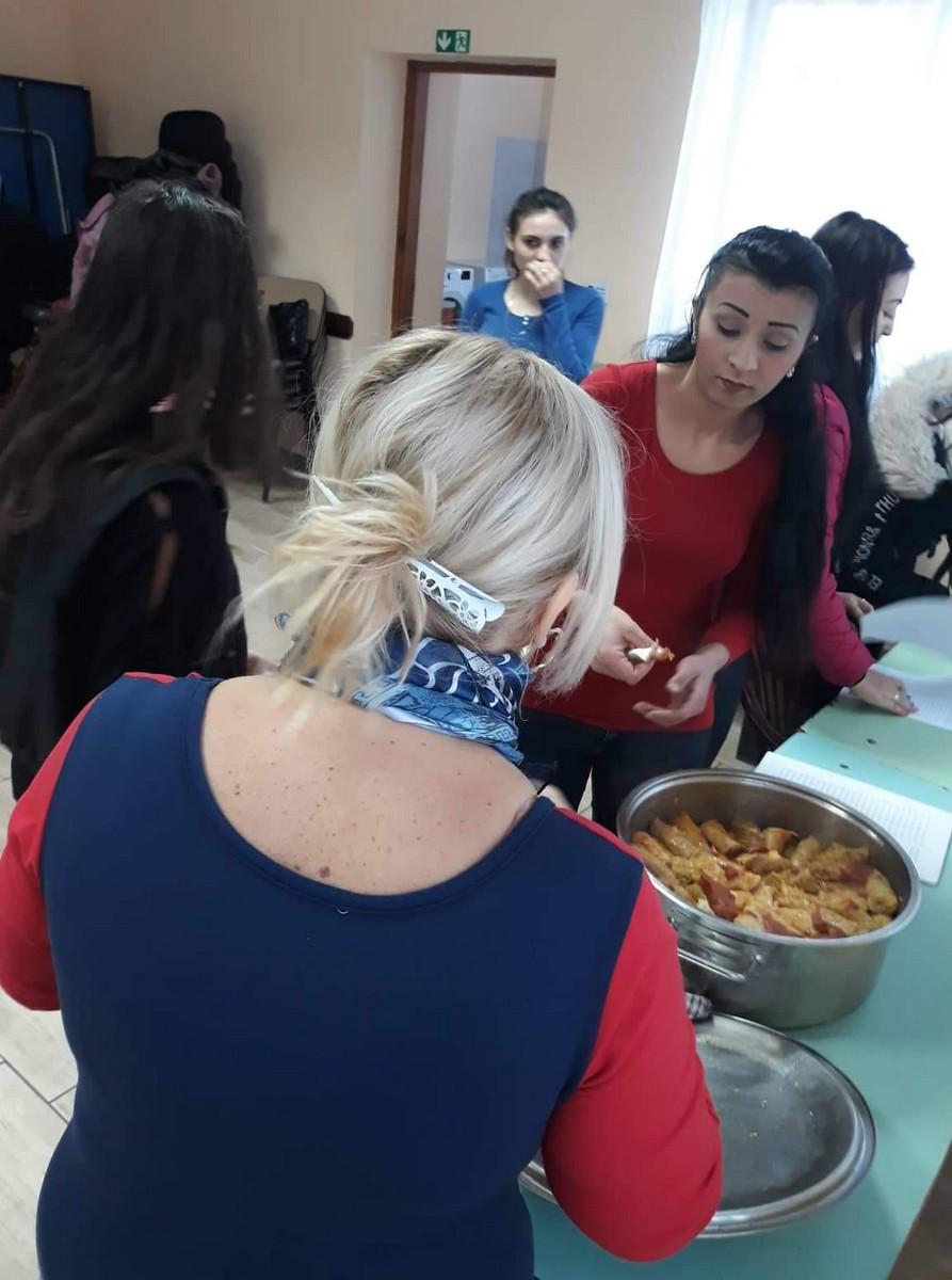2018-12-17-Hagyományőrző-ételek-készítése_00006