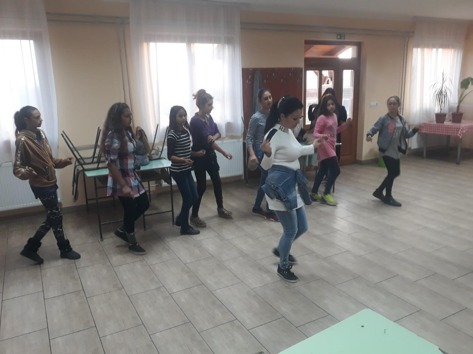 2018-11-17-Közös-tánc-cigánytánc_00003